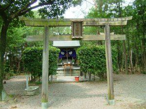 shrine01_half